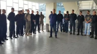 'Teremos um dos nossos em Brasília', diz Bolsonaro ao visitar o Bope