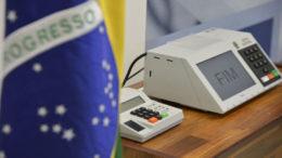 Foram enviadas 744 urnas para 171 localidades, em 99 países - incluindo uma região de difícil acesso no Líbano (Foto: Agência Brasil/Arquivo)