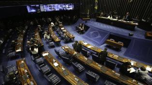Renan e Tebet disputam votos no MDB pelo comando do Senado