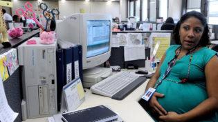 Projeto amplia estabilidade para mulher em licença-maternidade