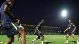 Treino da Seleção em Jeddah: técnico Tite faz mistério sobre escalação do time titular (Foto: Lucas Figueiredo/CBF)