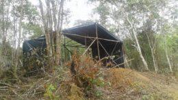 Barraco em Área de Preservação Ambiental. Instalações foram demolidas e invasores retirados pela Prefeitura de Manaus (Foto: Semmas/Divulgação)