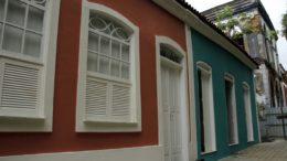 Casas no Centro Histórico de Manaus foram reformadas e abrigarão loja de artesanato e restaurante (Foto: Altemar Alcantra/Semcom)