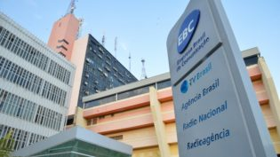 Sob ameaça de Bolsonaro, EBC lança plano de demissão voluntária