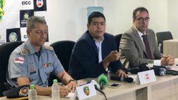 Cláudio Silva, Amadeu Soares e Ivo Martins em coletiva sobre morte de preso dentro de viatura da PM: autoria de crime ainda desconhecida (Foto: Patrick Motta/ATUAL)