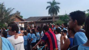Teto de escola desaba e prejudica aulas do ensino fundamental em Balbina