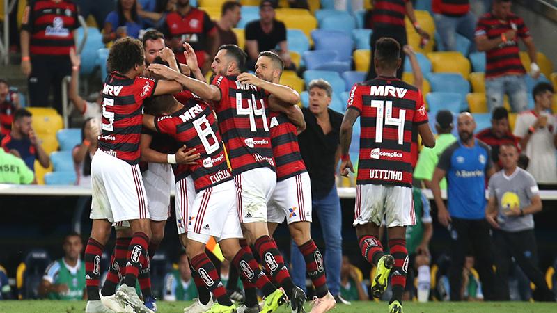 Jogadores do Flamengo festejam gol que garantiu vitória e chances de conquista do título (Foto: Gilvan de Souza/Flamengo)