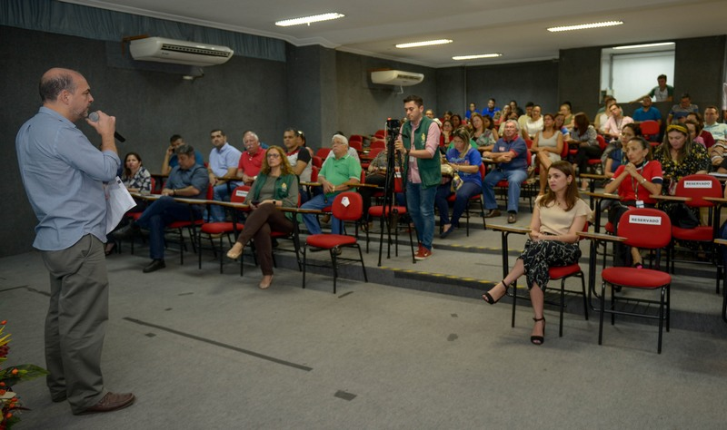 Secretário de Saúde Marcelo Magaldi anunciou lista de classificados para curso de pós-gradução em saúde pública (Foto: Alex Pazuello/Semcom)