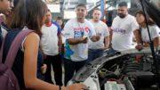 Minicurso de automóveis para mulheres ajuda a identificar a gasolina ideal e o tempo para a troca de óleo (Foto: Divulgação)