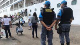 Policiais militares com fluência em inglês, francês e espanhol reforçam segurança no Centro com a chegada de turistas (Foto: SSP-AM/Divulgação)