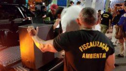 Caixas de som foram apreendidas em bares que não tinham licença (Foto: Semcom/Divulgação)