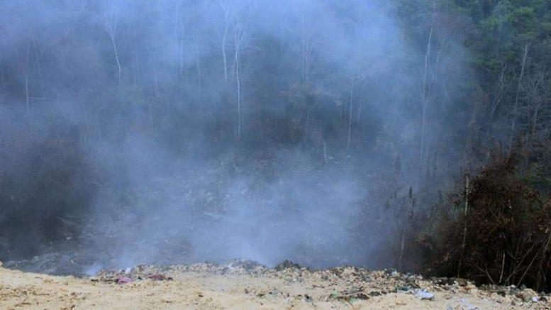 Em Manaus, incêndios ocorrem em lixões e áreas de mata nativa contribuindo para nuvens de fumaça sobre a cidade (Foto: Patrick Motta/ATUAL)