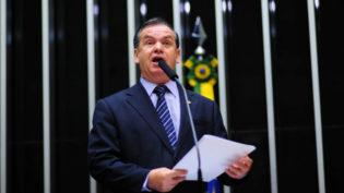 Bolsonaro pede e debate sobre desarmamento fica para 2019, diz deputado