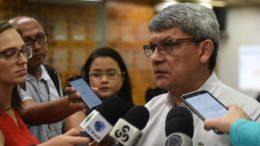 Secretário de Saúde Francisco Deodato anunciou a chamda de mais concursados para a usam (Foto: Roberto Carlos/Secom)
