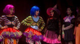 Teatro Amazonas terá 21 espetáculos no domingo na Mostra Interarte