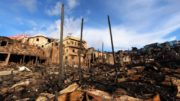 Desabrigados de incêndio no bairro Educandos deverão ser alojados em casas de conjunto habitacional da Prefeitura de Manaus (Foto: alter Calheiros)
