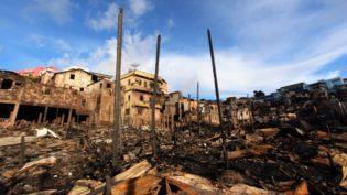 Arthur Neto diz que 'não gostaria' que vítimas de incêndio voltem a construir casas no local
