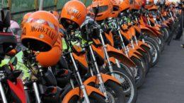 Motos de mototaxistas estacionadas em frente à Prefeitura de Manaus - Foto ATUAL