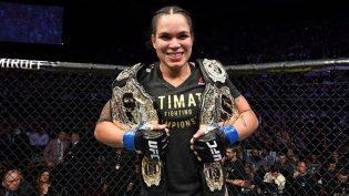 Amanda Nunes nocauteia Cyborg e é primeira mulher com dois cinturões do UFC