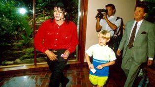 Macaulay Culkin elogia Michael Jackson e chama pai de 'bastardo malvado'