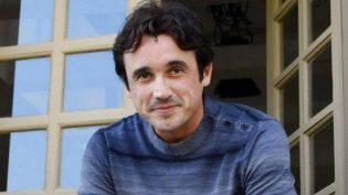 Ator Caio Junqueira morre aos 42 anos após sofrer acidente de carro