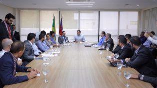 Executivos de empresa que vai explorar gás natural no Amazonas se reúnem com governador