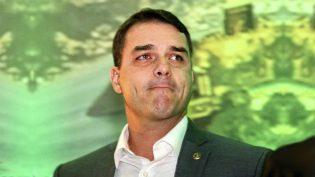 Flávio Bolsonaro herdará gabinete do atual presidente do Senado