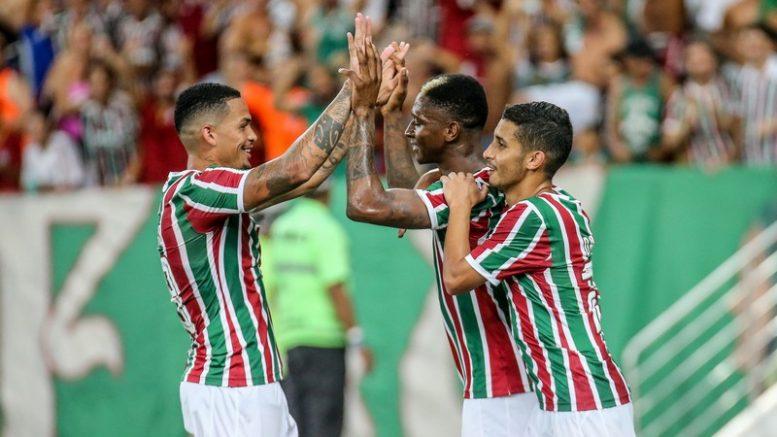 Jogadores comemoram gol na goleada do Fluminense sobre o Madureira (Foto  Lucas  Merçon  70233eda581ad
