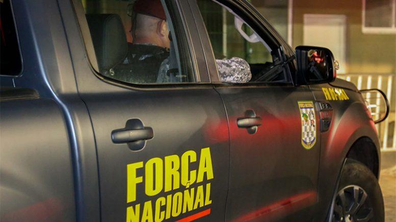 Policiais da Força Nacional já circulam em Fortaleza para garantir segurança (Foto: Kleber Gonçalves/Futura Press/Folhapress)