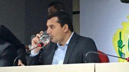 """Governador Wilson Lima afirmou que ex-governador Amazonino Mendes fez """"maldades"""" para atrapalhar novo governo (Foto: Facebook/Reprodução)"""