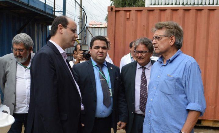 Pauderney Avelino com o ex-ministro da Educação, Rossieli Soares, e o reitor da Ufam, Sylvio Puga (centro): novas universidades no Amazonas (Foto: Divulgação)