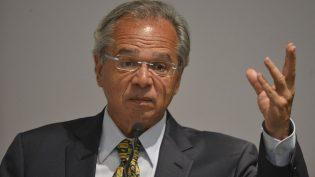Estatais são como 'filhos que fugiram e hoje são drogados', diz Guedes