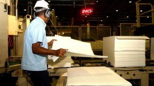 Produção industrial tem alta de 1,1%, diz IBGE