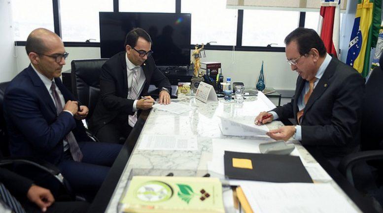 Acordo foi firmado pela PRF com o MP-AM e o Tjam (Foto: Chico Batata/Tjam)