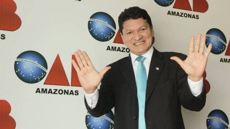Advogado Carlos Santiago