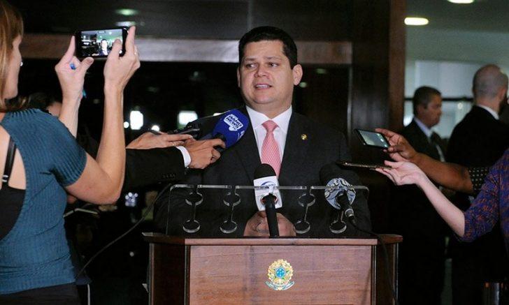Davi Alcolumbre quer esperar definição na Câmara (Foto: Jane de Araújo/Ag. Senado)