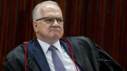 Ministro Edson Fachin autorizou cumprimento de penas alternativas (Foto: Marcelo Camarcgo/ABr)
