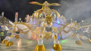 Desfiles das escolas de samba no carnaval de Manaus serão em três dias