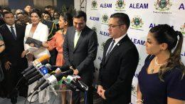 Governador Wilson Lima com o deputado Josué Neto, eleito presidente da ALE (Foto: Felipe Campinas/ATUAL)