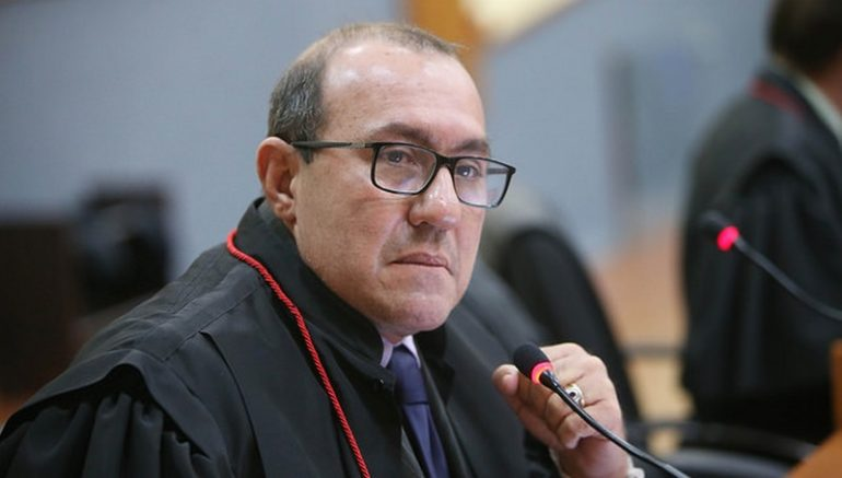 Relator Lafayette Carneiro Vieira Júnior negou recurso à Prefeitura (Foto: TJAM/Divulgação)
