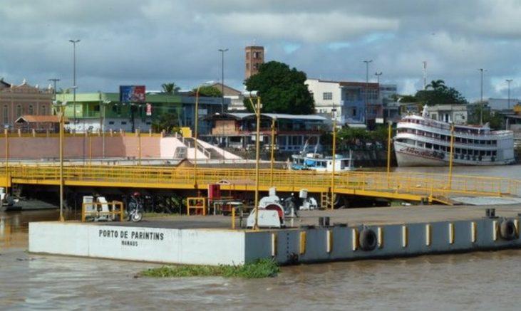 Elos que seguram balsa na estrutura do Porto de Parintins romperam (Foto: ALE-AM/Divulgação)