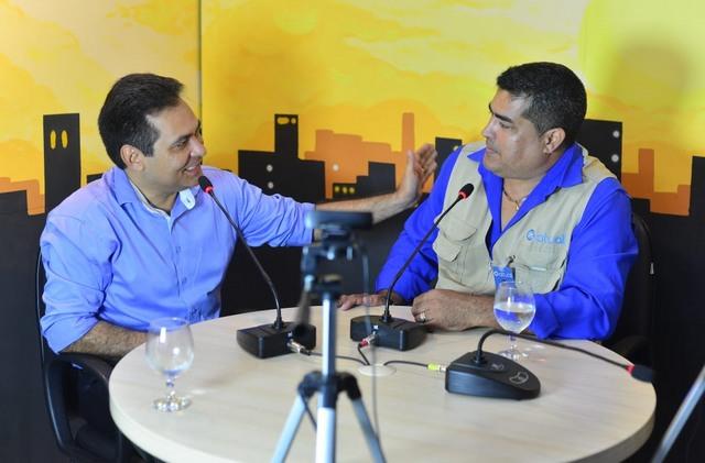 Álvaro Campelo em entrevista ao repórter Patrik Motta (Foto: Divulgação)