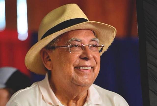 Amazonino Mendes ressurge para dizer que está com saudades e que Wilson Lima enganou população (Foto: Facebook/Reprodução)