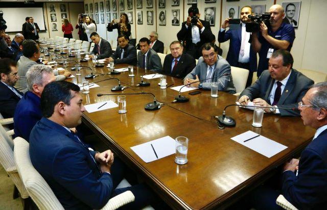 Parlamentares, governador Wilson Lima e prefeito Arthur Virgílio com o ministro Paulo Guedes, em Brasilia