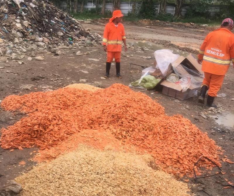 Camarão foi inutilizado devido ao risco de contaminação (Foto: Visa Manaus/Divulgação)