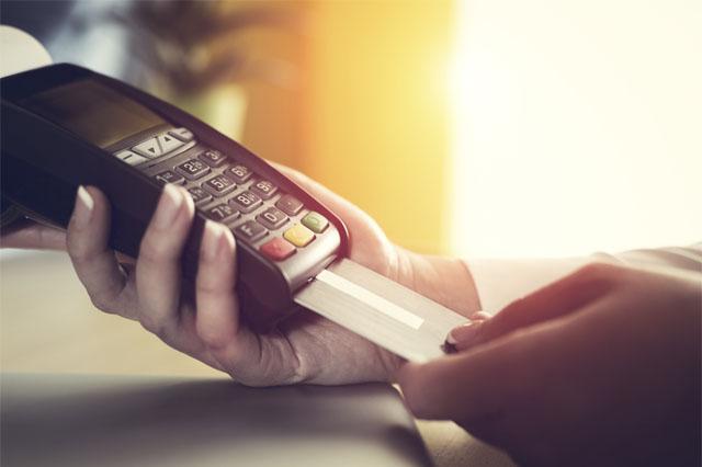 Uso do cartão para pagar contas será maior este ano, diz Abecs (Foto: Divulgação)