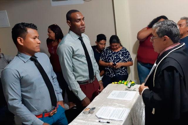 Deusney Aguilar de La Rosa e Matheus Eduardo Auanário diante do juiz