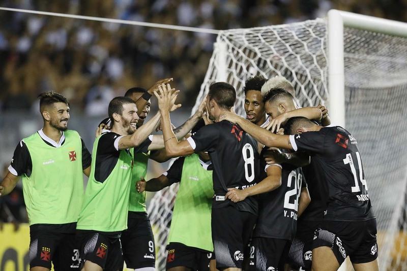 Jogadores comemoram gol e vitória do Vasco (Foto: Rafael Ribeiro/Vasco)