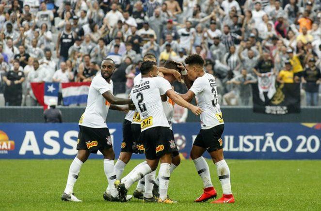 Corinthians venceu neste domingo e ficou perto da classificação (Foto: Rodrigo Gazzanel/Ag. Corinthians)