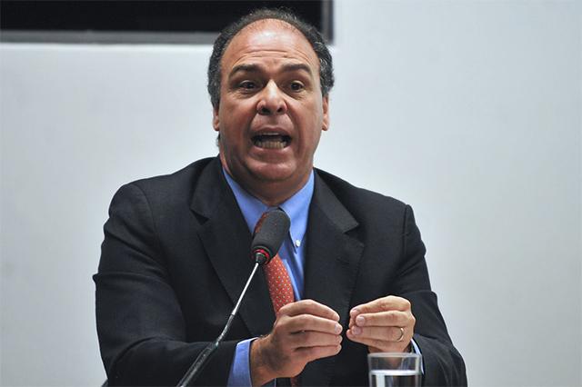 Fernando Bezerra Coelho diz que Bolsonaro tem dividido espaços (Foto: Antonio Cruz/ABr)